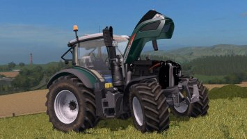 Fendt 700 Vario with configurable LightBeams